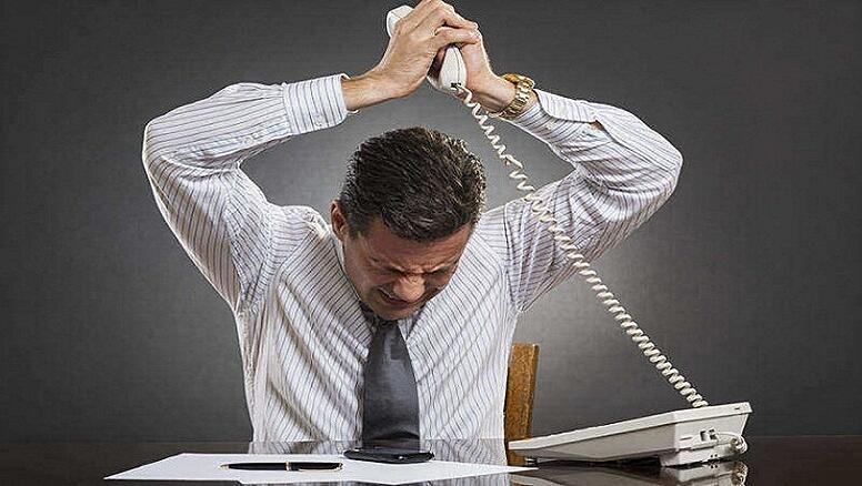 Salesman-getting-frustrated-with-his-sales-pitch-thats-damaging-his-sales-performance.jpg